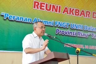 Wagubri Hadiri Reuni Akbar dan Dialog Peranan Alumni FNGT UNRI
