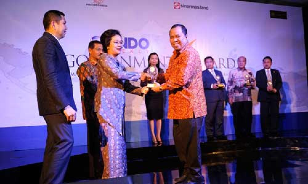 Bupati Kepulauan Meranti Raih Government Award
