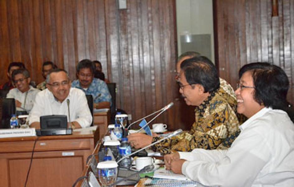 Suksesnya Penanggulangan Asap Riau, Menteri LHK Puji Plt. Gubri