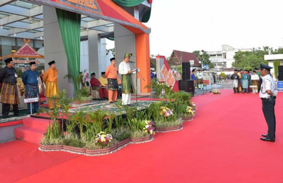 Sekdaprov Riau Pimpin Upacara HUT Bank Riau Kepri ke 52