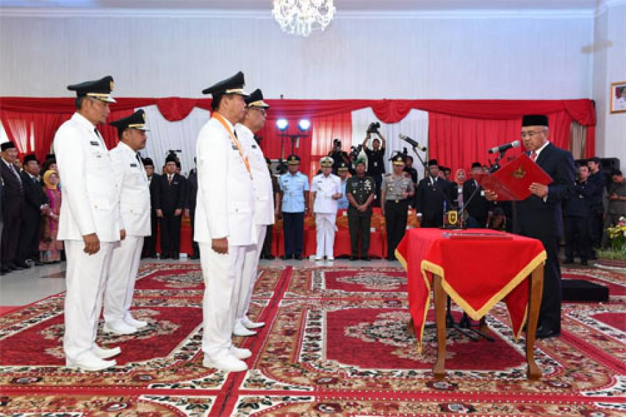 Gubri Lantik Walikota Pekanbaru dan Bupati Kampar, Jalankan Amanah Sebaik-baiknya