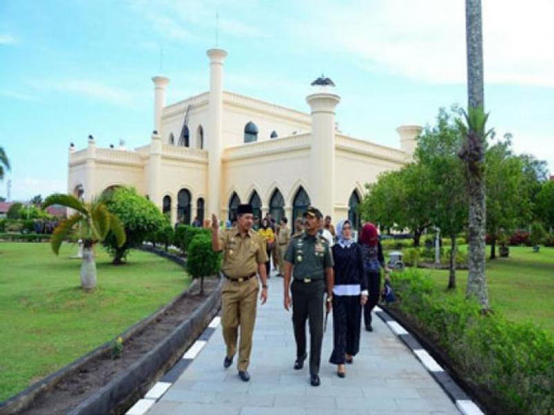 Kunker ke Siak, Jenderal Bintang Dua Ini Kagumi Istana Matahari Timur