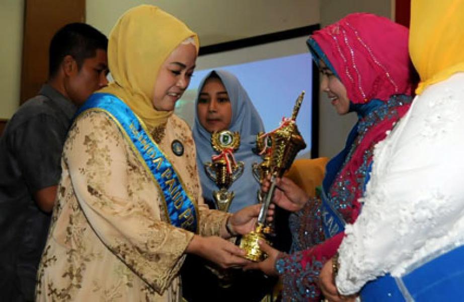 Inhil Juara I Bunda PAUD Berprestasi dalam Gebyar PAUD Provinsi Riau 2016