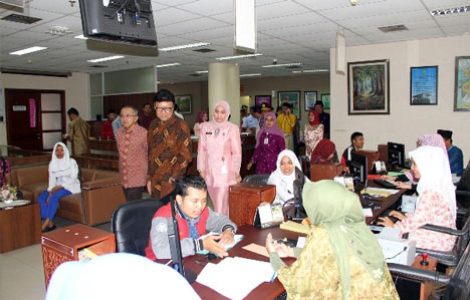 Pemprov Riau Tingkatkan Kepuasan Masyarakat Melalui PTSP