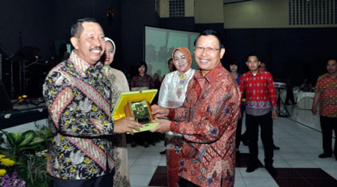 Sekdaprov Riau Hadiri Lepas Sambut Pangdam I/BB