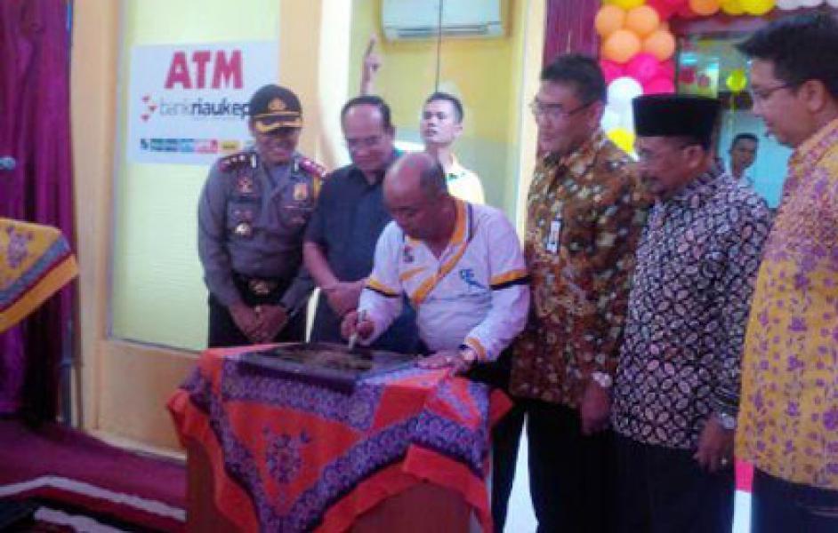 Bupati Resmikan Pemakaian Kantor Kedai Bank Riau Kepri Kecamatan Seikijang