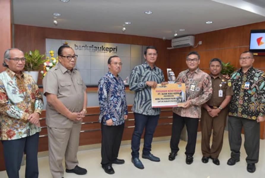 CSR Bank Riau Kepri, Pemkab Bintan Terima 1 Unit Mobil Pelayanan Pajak Daerah