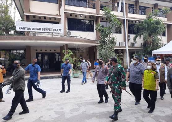 Panglima TNI Tinjau Posko PPKM Semper dan Tempat Isolasi OTG Pasar Rumput