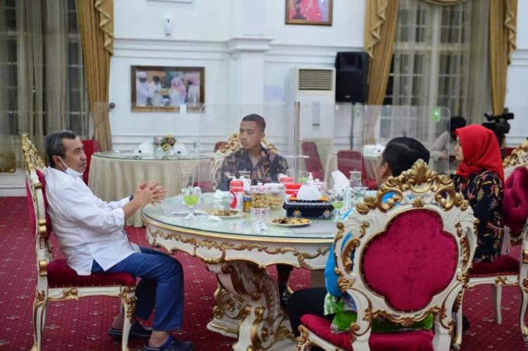 Terima Silaturahmi Paskibraka Nasional Utusan Riau Tahun 2021, Syamsuar: Jaga Nama Baik Daerah