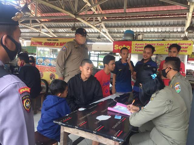 Tak Gunakan Masker Terancam Penjara 3 Bulan, Anwar Hafid Kritisi Rencana Revisi Perda DKI