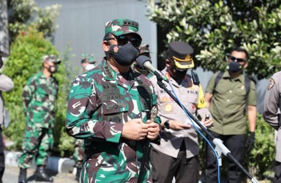 Panglima TNI Imbau Warga Bergejala Covid-19 Segera Dirawat di Tempat Isoter