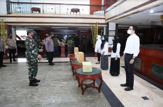 Panglima TNI Tinjau Fasilitas Isoter Pasien OTG Covid-19 di Medan
