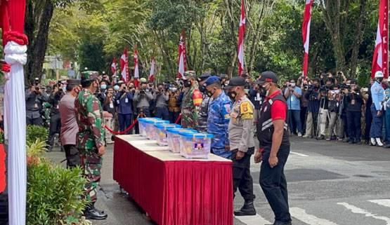 Panglima TNI Cek Kemampuan Petugas Tracer Aplikasi Silacak