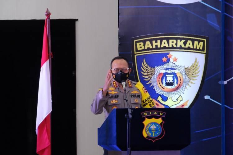 Kunker ke Riau, Kabaharkam Polri Apresiasi Penggunaan Tehnologi Dalam Penanganan Karhutla