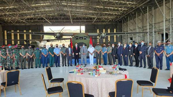TNI Bantu Perbaikan Mesin Pesawat CASA Milik Papua New Guinea Defence Force