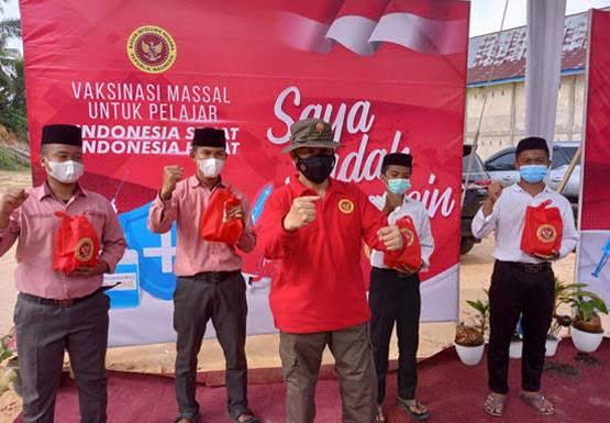 514 Santri dan Siswa Madrasah Ikut Vaksinasi Massal Bersama BIN Riau dan Kanwil Kemenag Riau