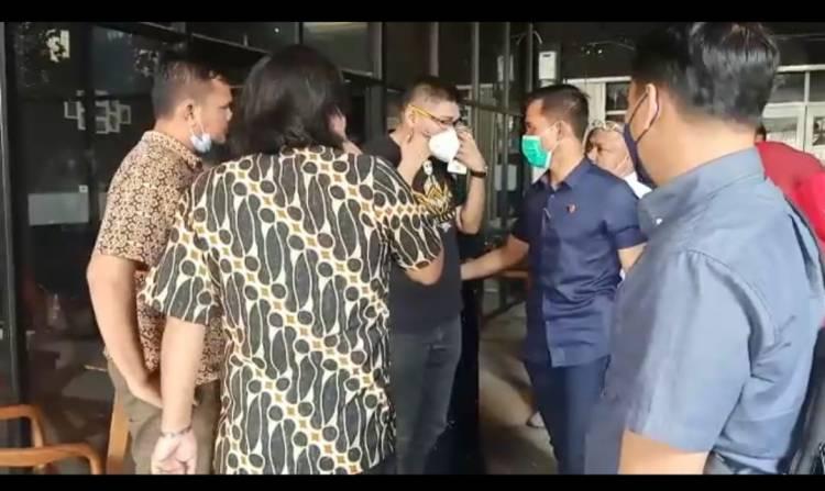 Polisi Tangkap Pemilik Travel Umroh Pelaku Penganiayaan Karyawan Cafe Angel's Wing