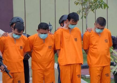 Kesal Karena Diberhentikan, eks Karyawan PT SSI Otaki Rampok Rp 775 Juta di ATM BRI Rohul