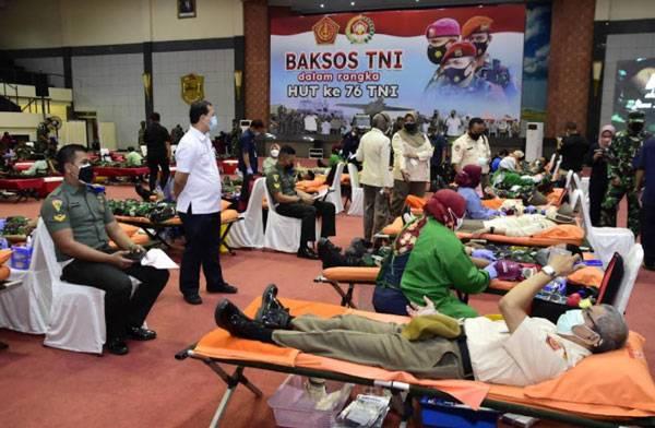 Sambut Peringatan HUT Ke-76, TNI Gelar Acara Bakti Sosial