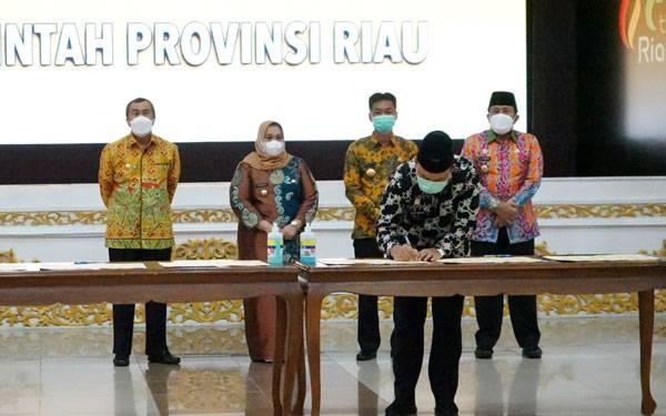 Terkait Pengelolaan PI 10% Wilayah Blok Rokan, Wabup Siak Teken MoU dengan Pemrov Riau