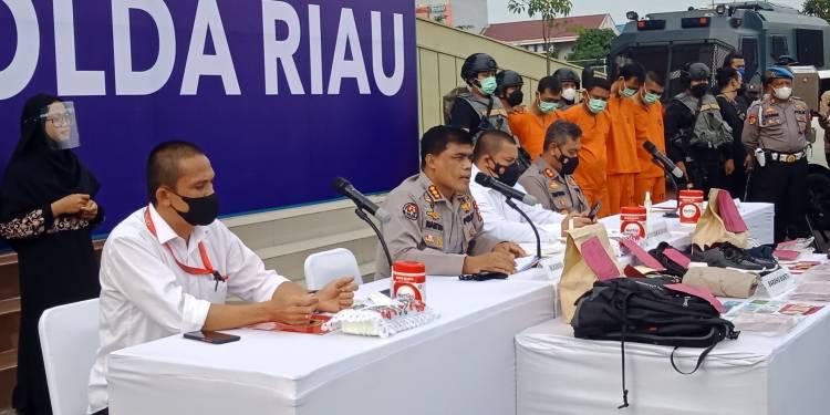 Polisi Bekuk Kawanan Rampok Uang Rp 775 Juta di Mesin ATM BRI Rohul