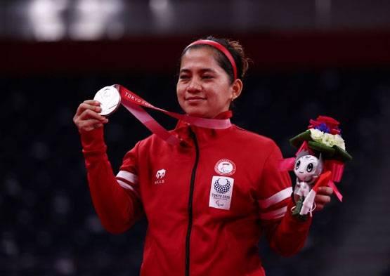 Raih Dua Emas dan Satu Perak, Jokowi Kagum dengan Pencapaian Leani Ratri Oktila di Paralimpiade Tokyo 2020