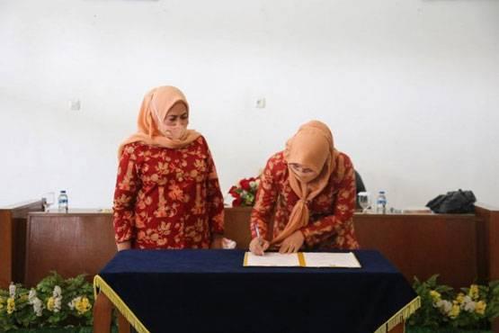Dharma Wanita Persatuan Setdaprov Riau Gelar Sertijab