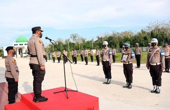 Kapolres Kepulauan Meranti Pimpin Upacara PTDH Anggota yang Terlibat Narkoba