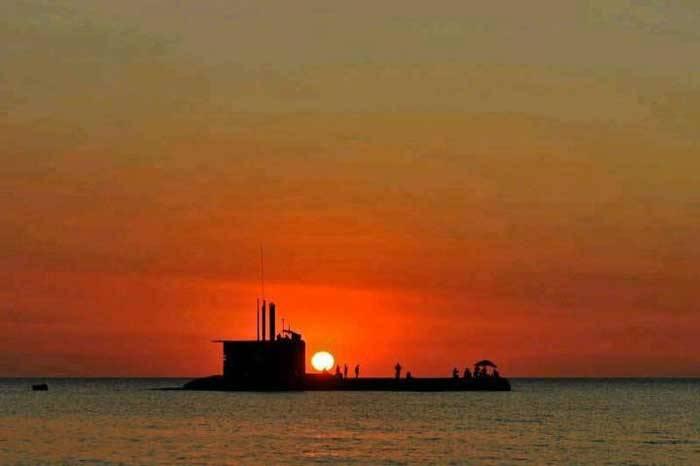 Kapal Selam KRI Cakra 401 TNI AL Laksanakan Uji Nominal Diving Depth