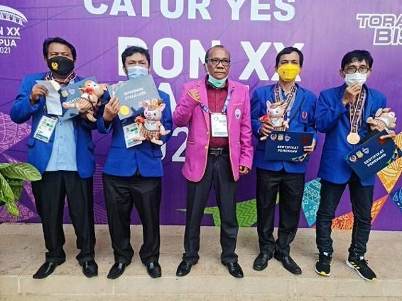 Setelah Menunggu 10 Tahun, Cabor Catur Riau Sukses Sumbang Medali di PON XX 2021 Papua