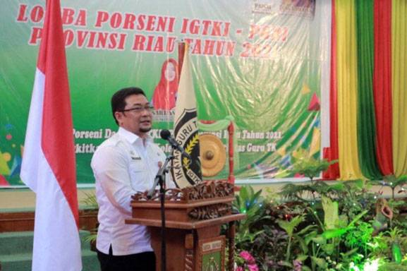 Buka Kegiatan Porseni Guru TK, Ini Kata Asisten III Setda Provinsi Riau
