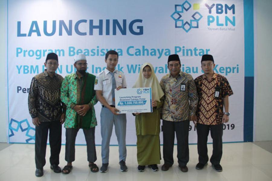 PLN Wilayah Riau Kepri Launching Program Beasiswa Cahaya Pintar