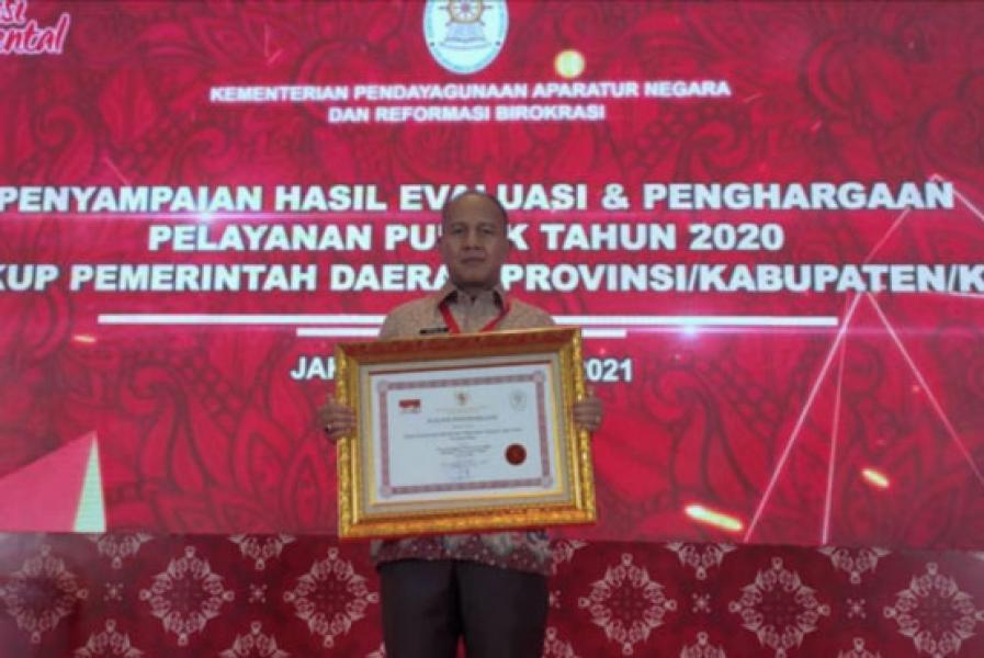 Hebat, Pemprov Riau Terima Penghargaan Kategori Pelayanan Prima dari Menpan-RB