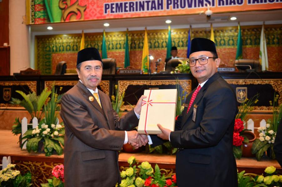 BPK RI Serahkan LHP Keuangan Pemprov Riau 2018