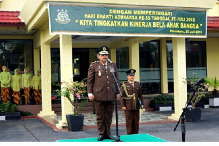 Kajati Riau Menjadi Irup Pada Hari Bhakti Adhyaksa Ke-55