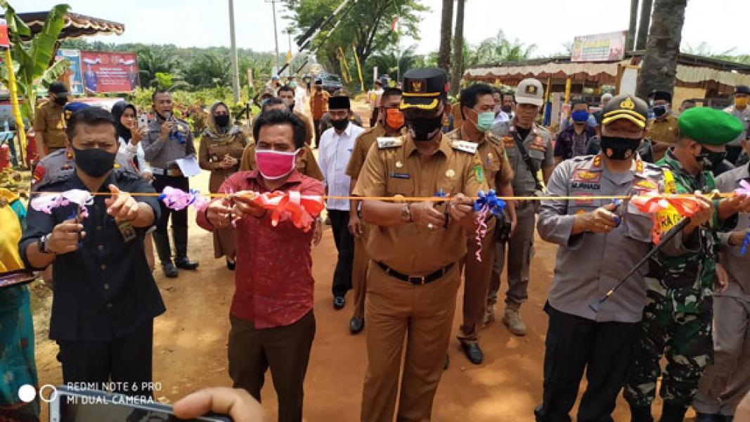Resmikan Kampung Tangguh Nusantara, Bupati Suyatno Ajak Seluruh Perusahaan Ikut Peduli