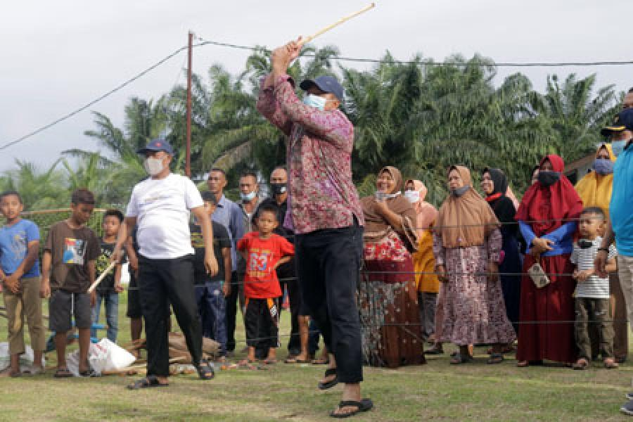 Dihadiri Bupati Alfedri, KPOTI Siak Gelar Tournamen Permainan Rakyat
