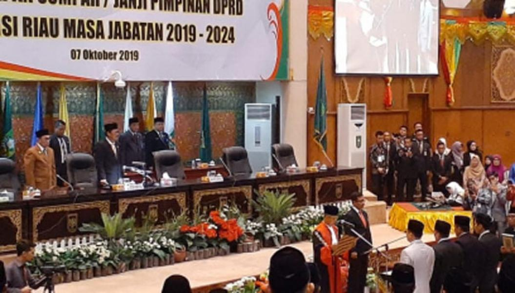 Empat Pimpinan DPRD Riau Periode 2019-2024 Resmi Dilantik