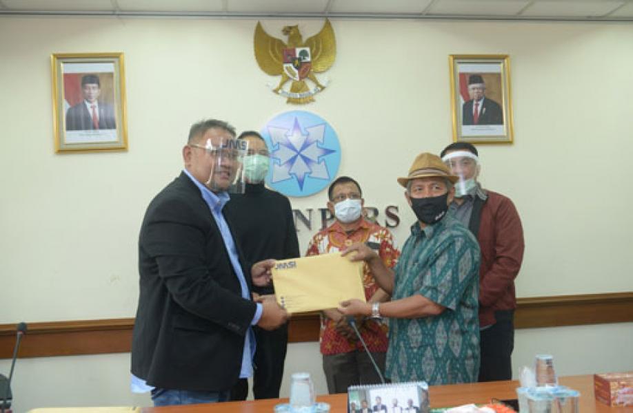 Teguh Santosa Secara Resmi Serahkan Berkas Pendaftaran JMSI ke Dewan Pers