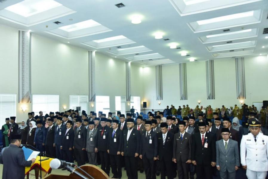 Bupati Bengkalis Lantik Sejumlah Pejabat Pimpinan Tinggi Pratama, Administrator, dan Pengawas