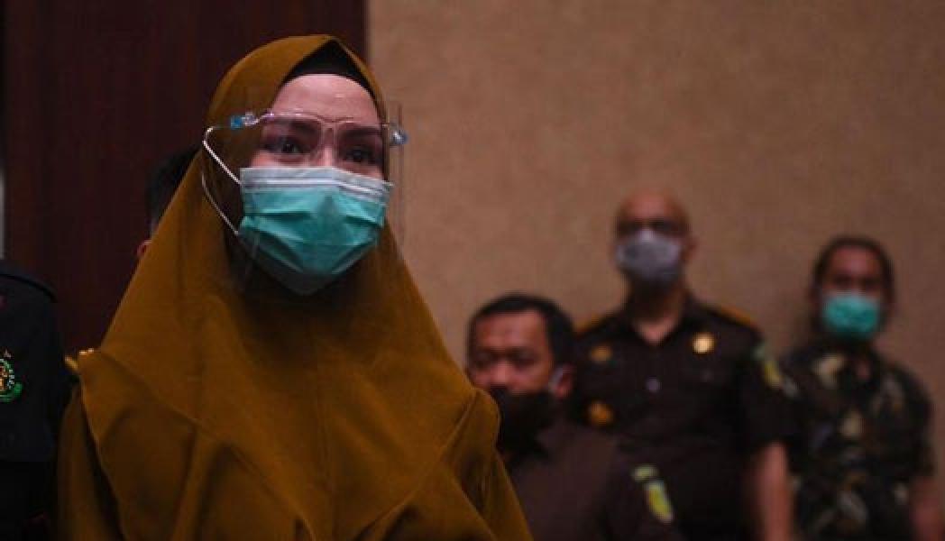 Suami Pinangki Sempat Menangis Saat Jadi Saksi Atas Istrinya